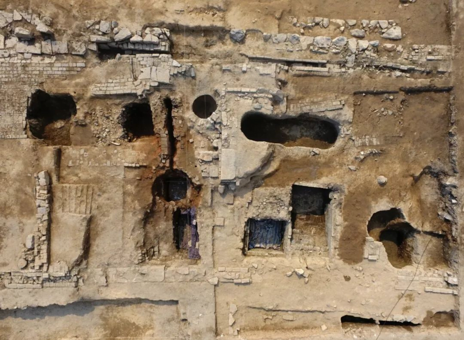 discovery of 500-year-old distillery in China