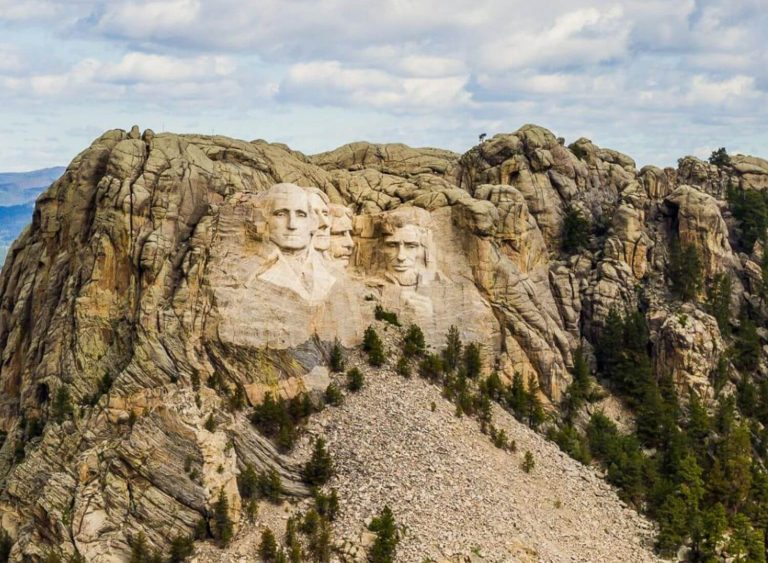 Is There An Inaccessible Secret Chamber In Mount Rushmore?