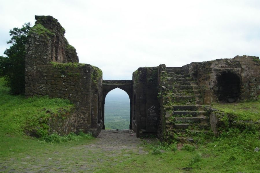 The Out of The Ordinary Chilling Tales of Ashwatthama Temples and Asirgarh Fort